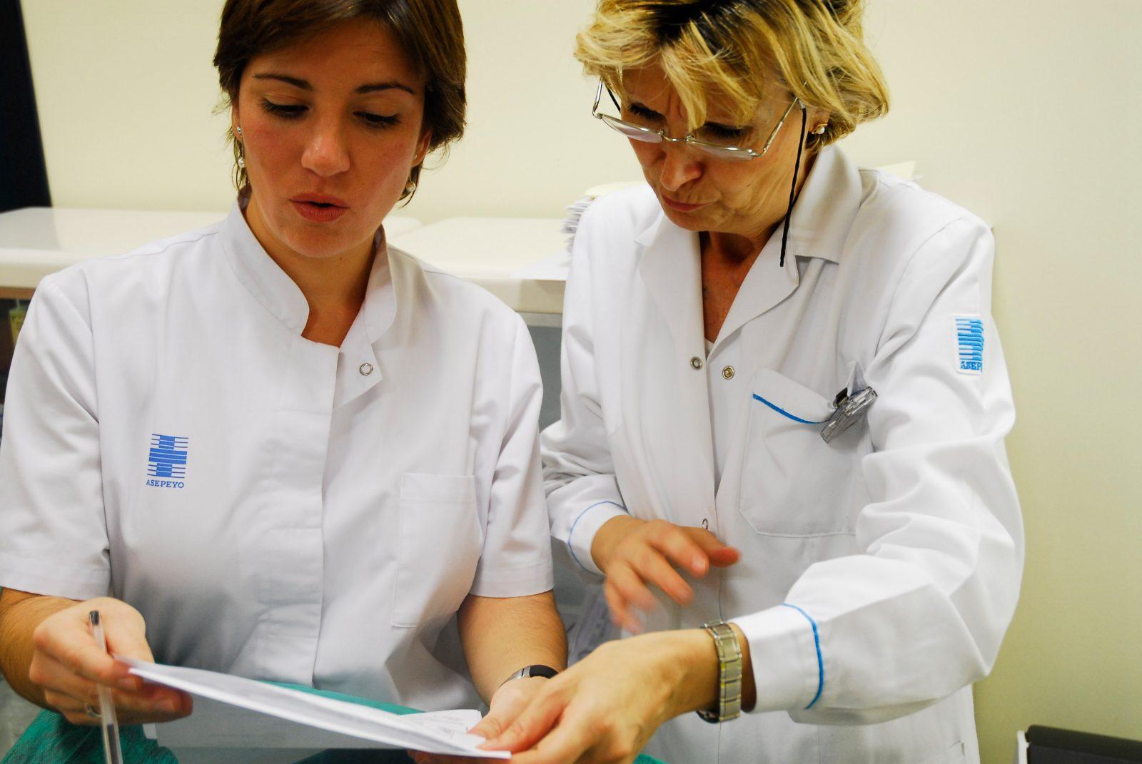 Epicondilitis lateral: estudio de la determinación de contingencia y casos atendidos en  Asepeyo en el año 2009