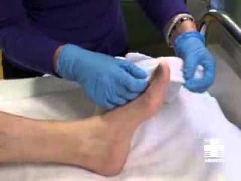 Higiene paciente inmovilizado: Piernas