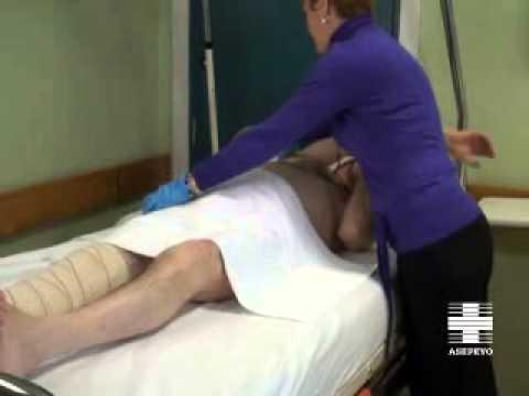 Vídeo cuidador. Higiene del paciente encamado