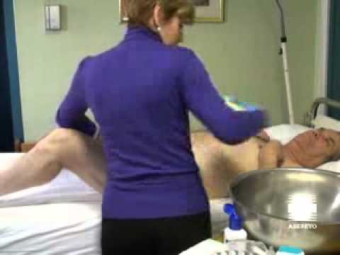 Vídeo cuidador. Higiene paciente inmovilizado: Zona perineal