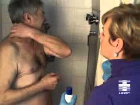 Vídeo cuidador. Higiene paciente inmovilizado: Baño o ducha