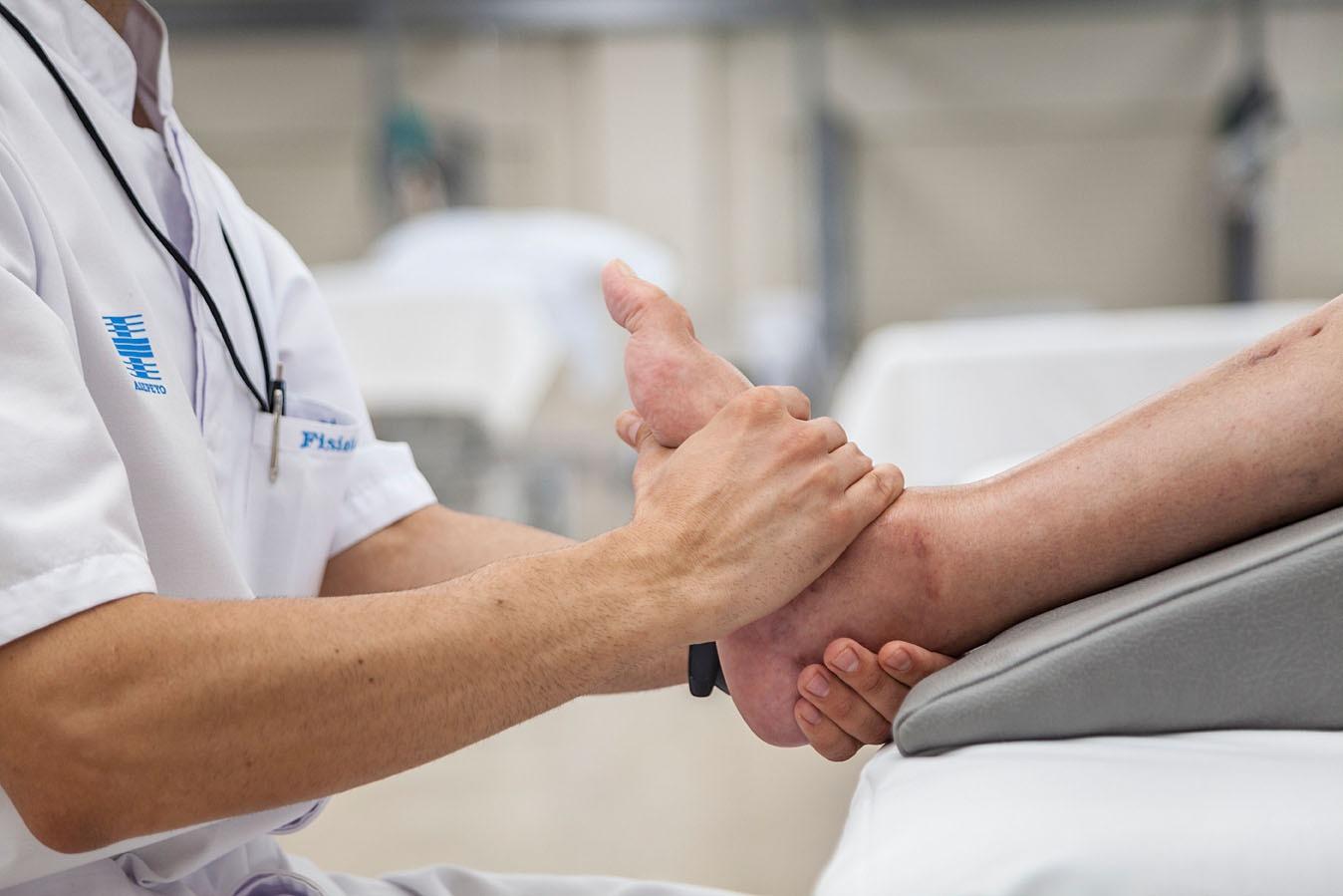 Calcaneoplastia para las intervenciones de fracturas de calcáneo