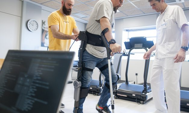 Participamos en la creación de un exoesqueleto robótico que permite caminar a lesionados medulares
